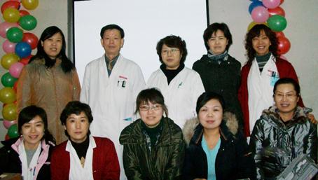 科室信息 药剂科举行2009年度科研教学总结会暨调剂技能比赛 2010.1.